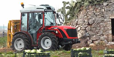 Motori e ricambi per macchine agricole
